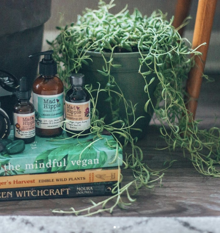 Cottagecore Aesthetic - books and plants