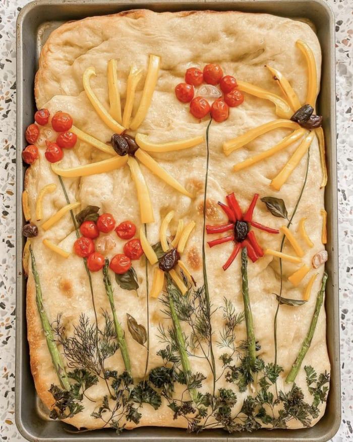 Cottagecore Aesthetic - foccacia bread